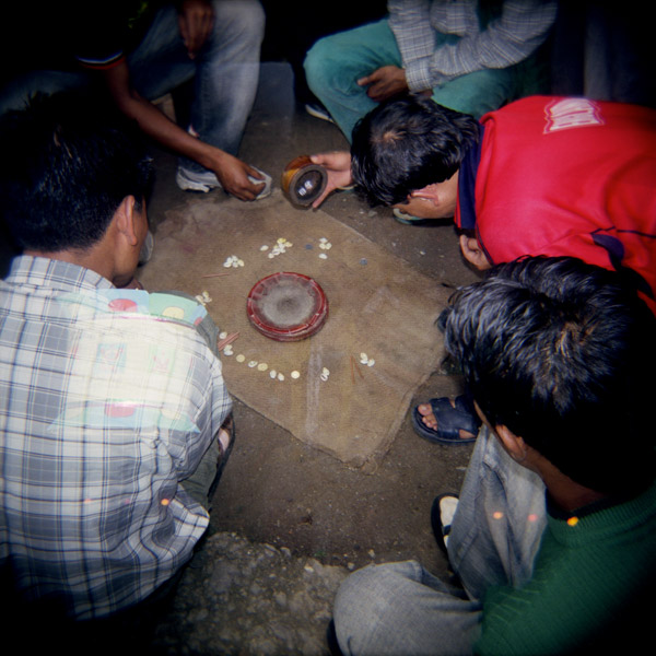 07-INDIA. Giocatori di dadi